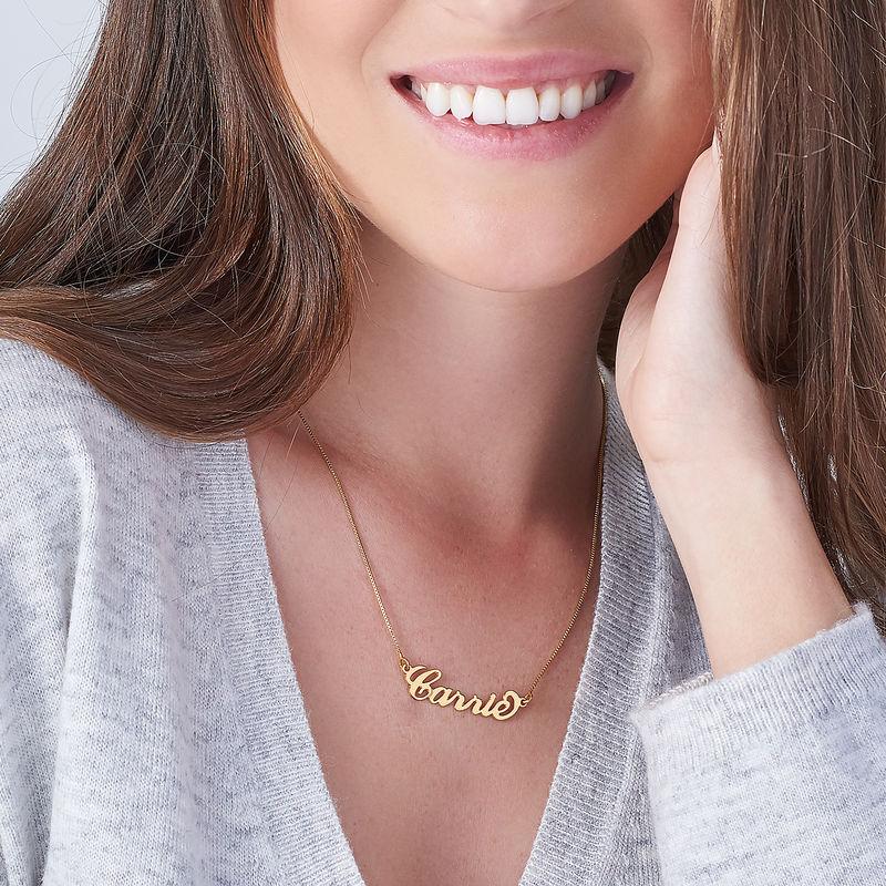 """Collana con nome piccolo stile """"Carrie"""" in argento placcato oro 18k - 1"""