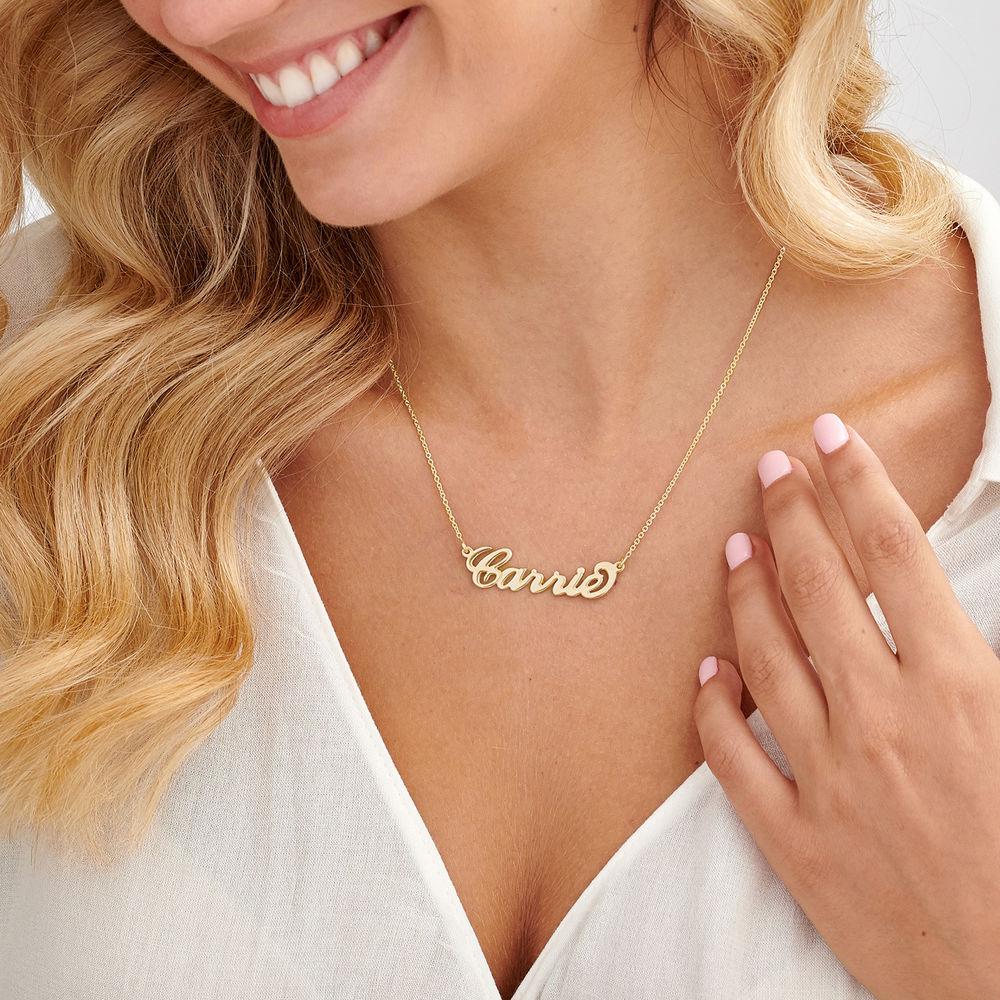 """Collar con nombre Estilo """"Carrie"""", plata chapada en oro 18k - 2"""