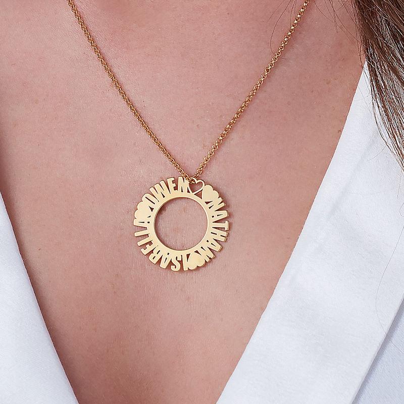 Collar con Nombre en Círculo Chapado en Oro - 2