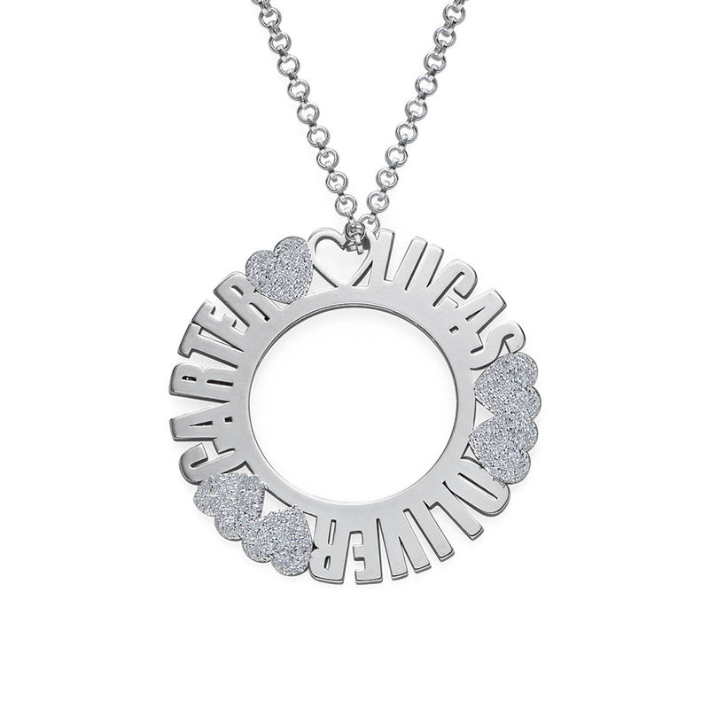 Collar con Nombre en Círculo en Plata de Ley con Efecto Diamante