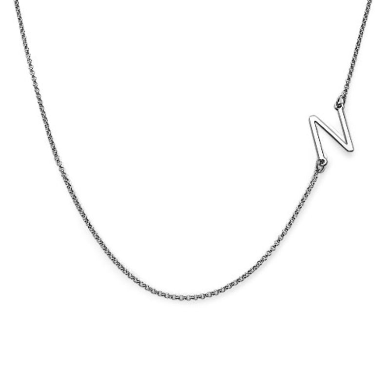 Collar con Inicial Lateral Chapado en Plata - 1