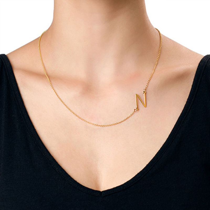 Collar con Inicial Lateral Chapado en Oro de 18k - 3