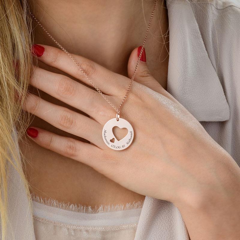 Collar círculo de amor chapado en oro rosa - 4