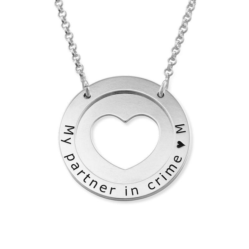 Collar de corazón circular en plata