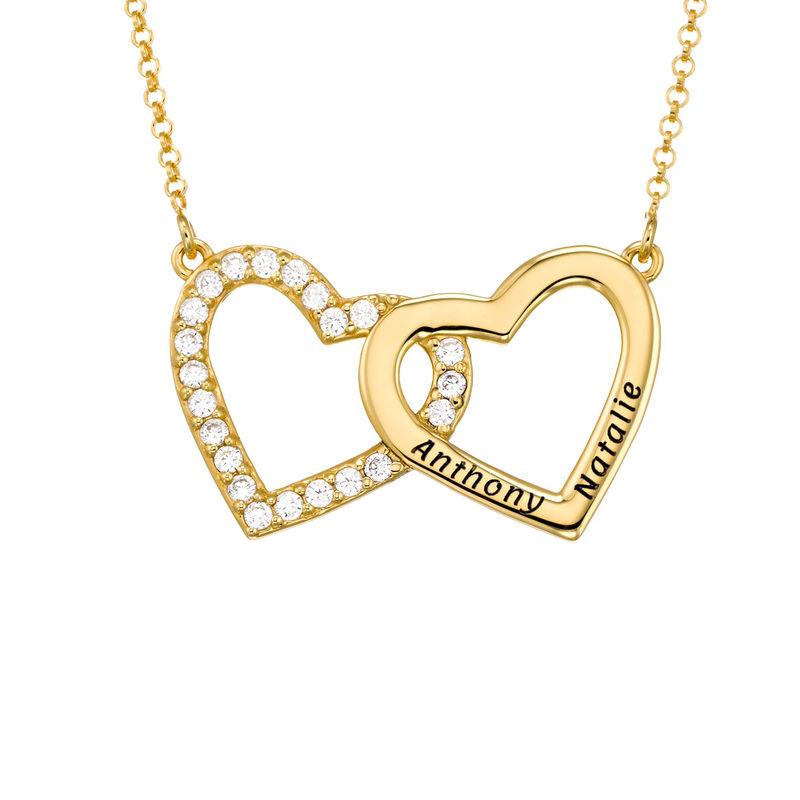 Collar de doble corazón grabado chapado en oro