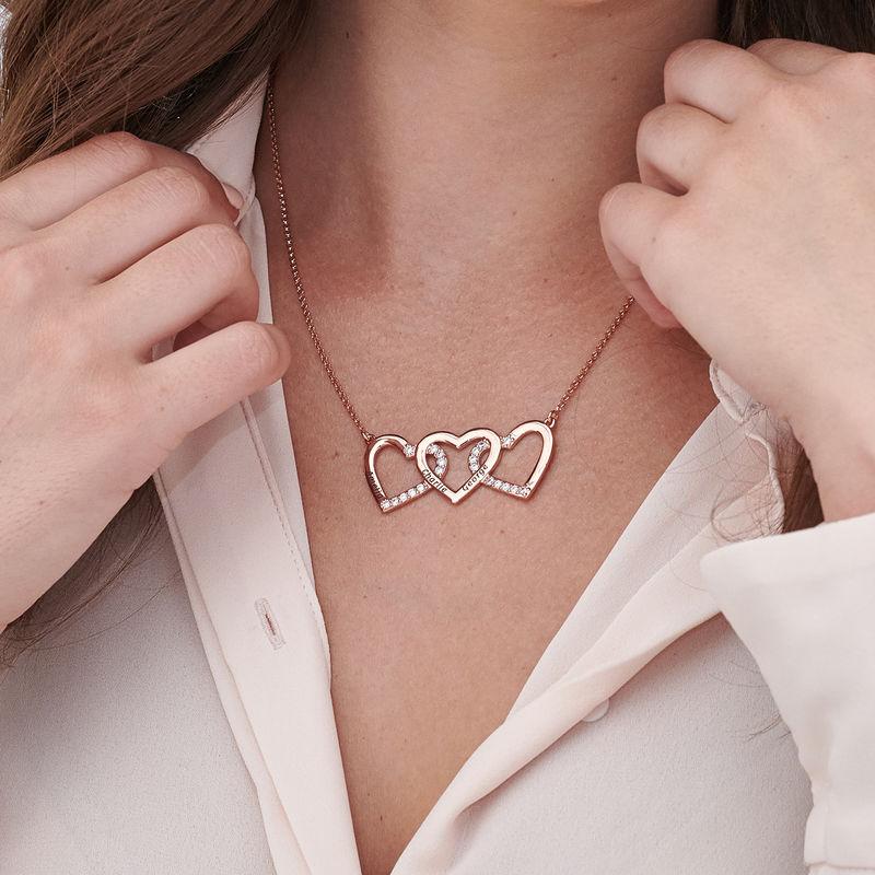 Collar de 3 corazones grabado chapado en oro rosa - 2