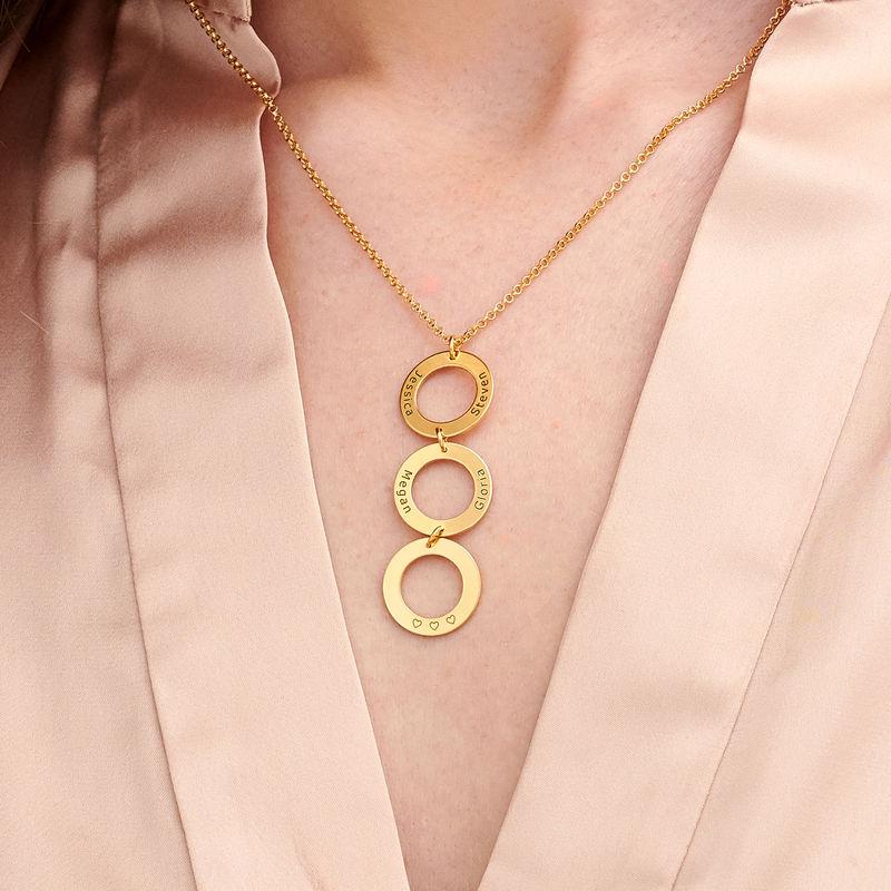 Collar Personalizado con 3 Circulos Verticales en Chapado en Oro - 2