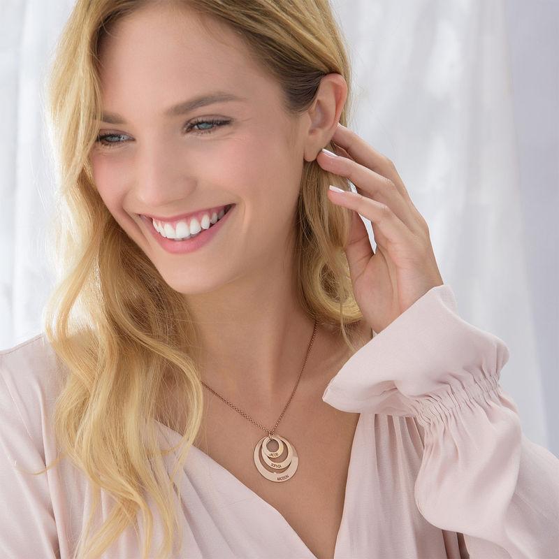 Joyería para Mamá – Collar de Tres Discos en Chapa de Oro Rosa - 4