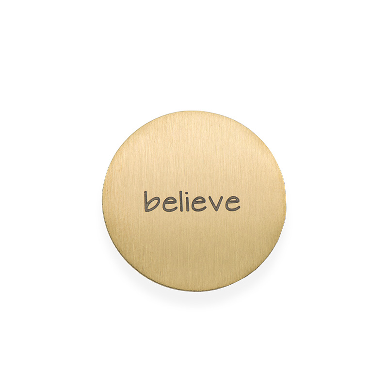 Placa para Medallón Flotante – Disco Chapado en Oro Grabado
