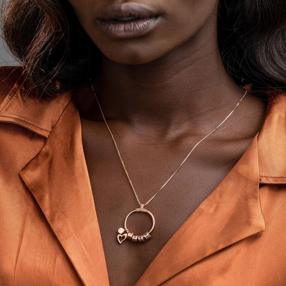 Gegraveerde Cirkel Hanger Ketting met blad en persoonlijke kralen™ in 18K Rosé Goud Verguld met diamanten - 3