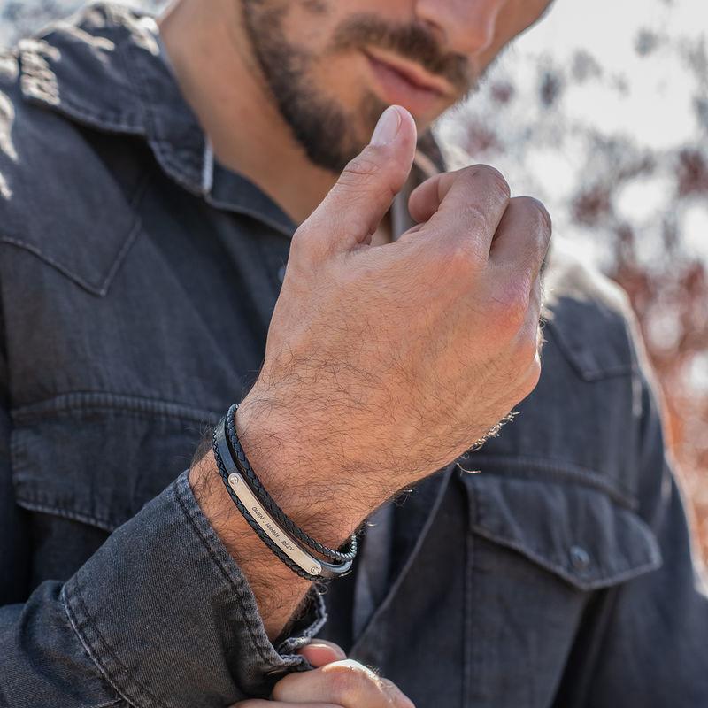 Gegraveerde heren armband in zwart leer - 3