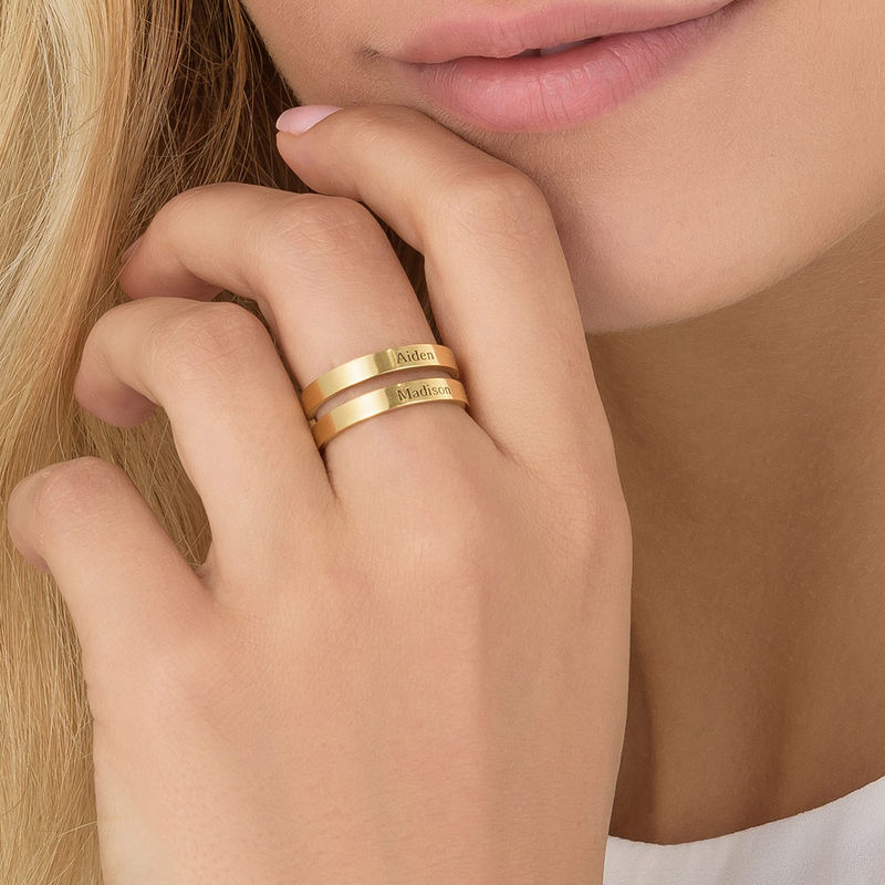 Twee geelgoud vergulde naam ringen - 4