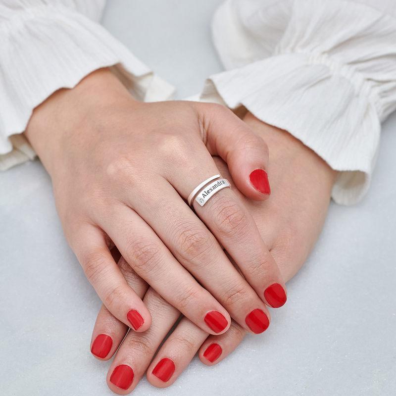Gepersonaliseerde wikkelring met naam en diamant in zilveren uitvoering - 4