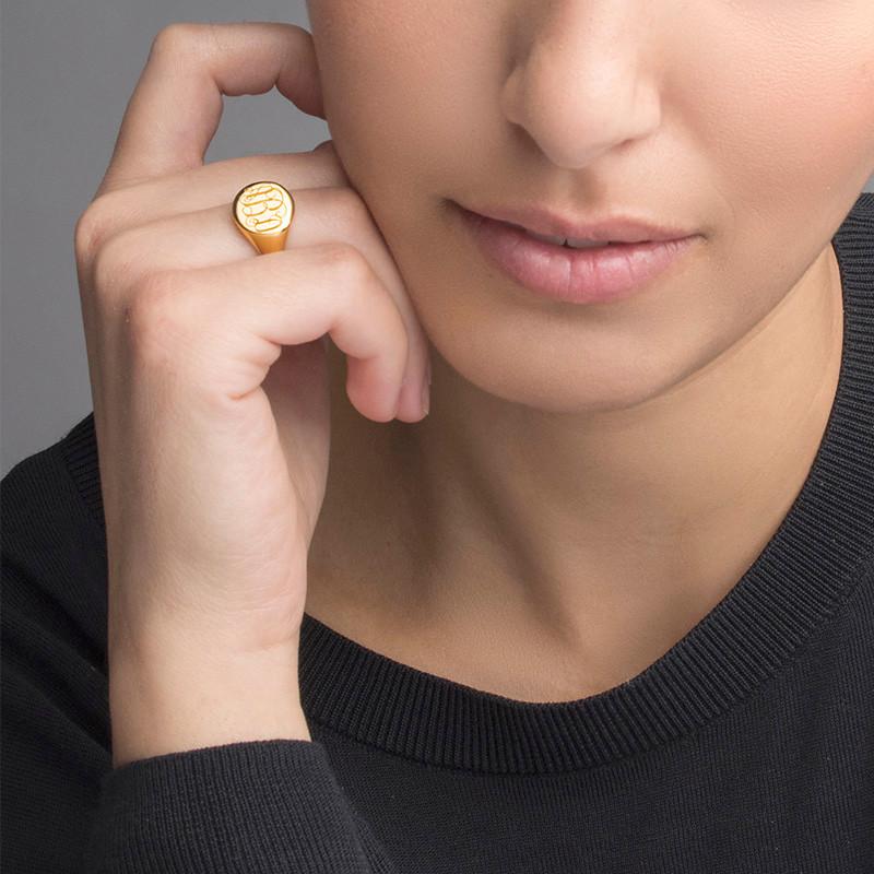Zegel Ring met Gegraveerd Monogram in Goudkleur - 2