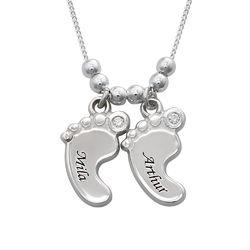 Mamasieraden - Sterling Zilveren Babyvoetjesketting met Diamanten Productfoto