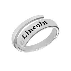 Gepersonaliseerde wikkelring met naam en diamant in zilveren Productfoto