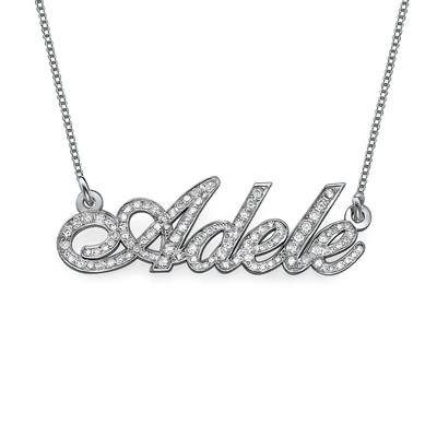 Personlig navnesmykke i 14k hvitt gull med diamanter