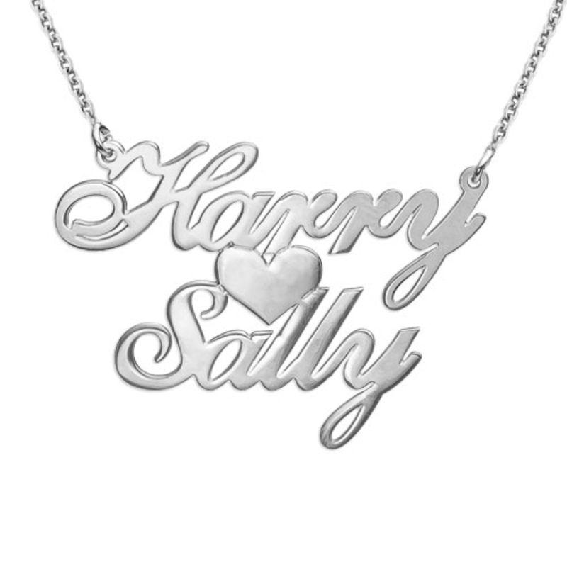 Navnesmykke med to navn og hjerte i sølv