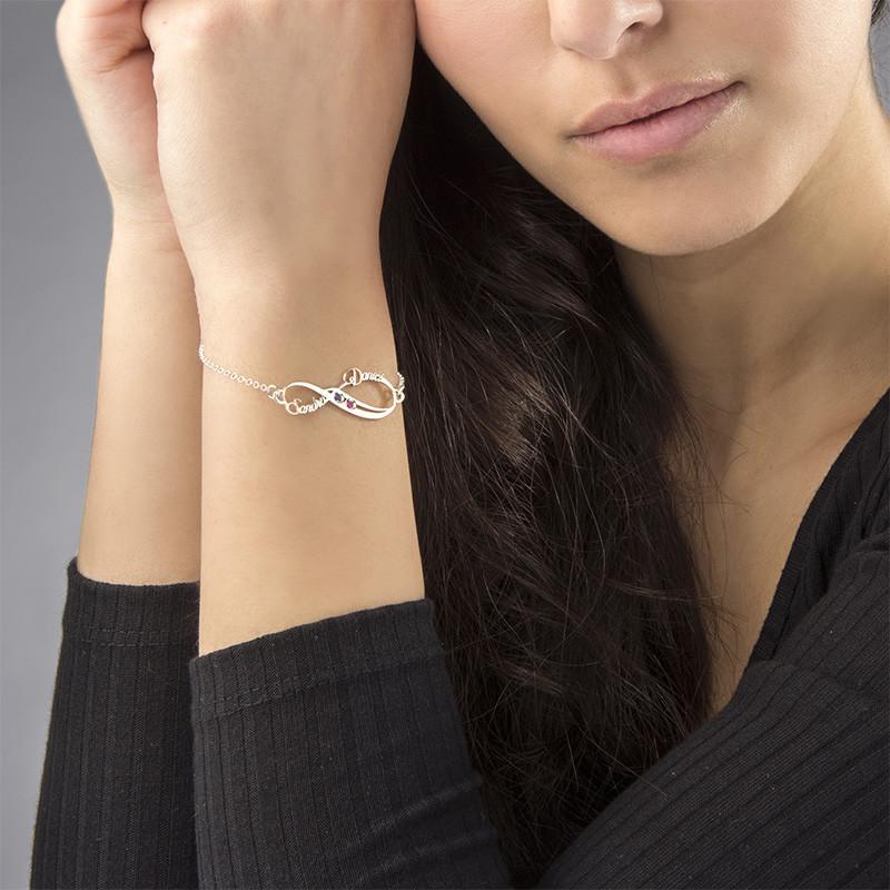 Infinity-armbånd med navn og månedssteiner - 3