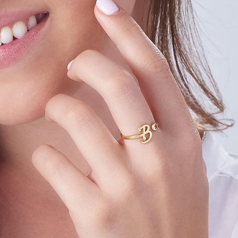 Åpen ring med bokstav og fødselsstein i 18K gullbelegg - 3