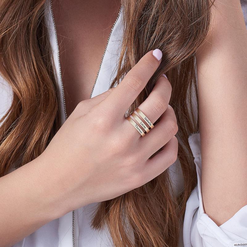 Tre ringer med navn i 10K gult gull - 3