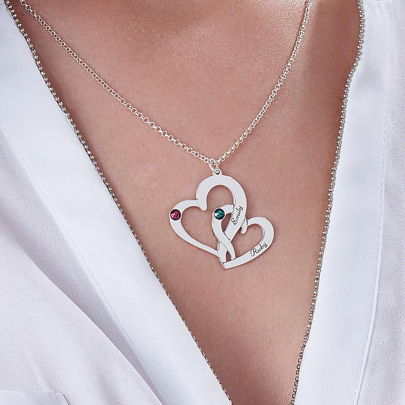 To hjerter flettet sammen med gravering - 3