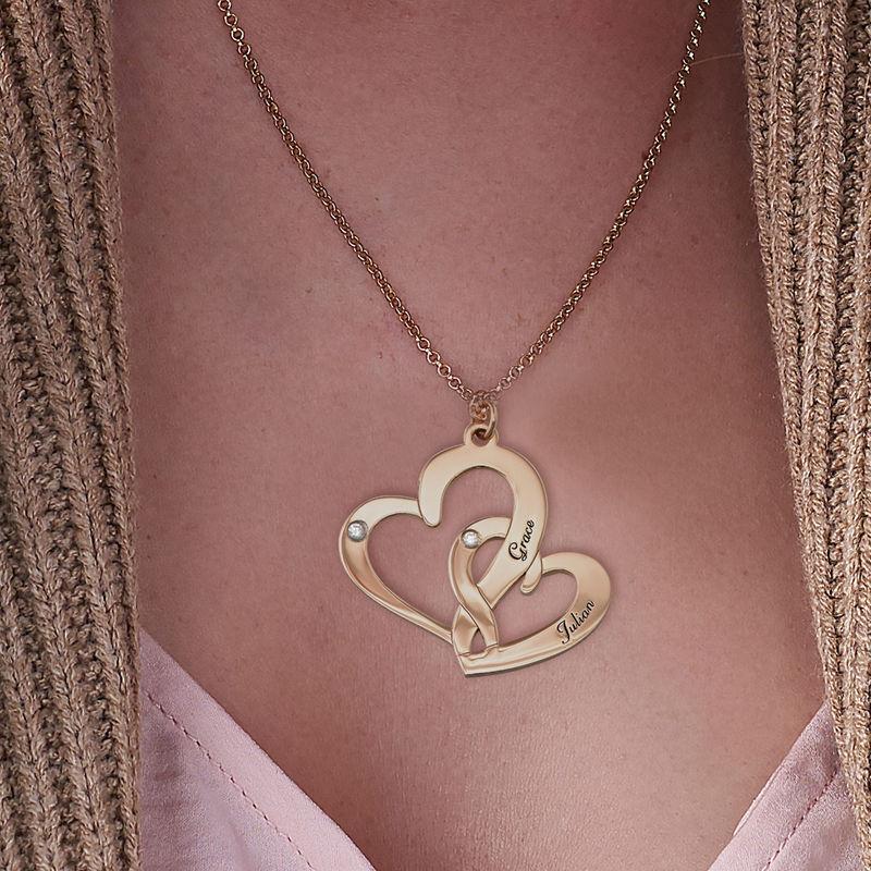 Gullbelagt inngravert smykke med to hjerter og diamanter - 2