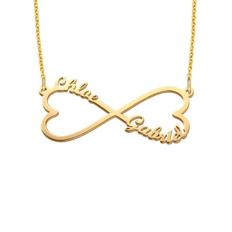 Gullbelagt infinity-navnesmykke med hjerte
