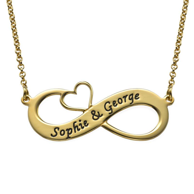 Infinity smykke med gravering med gullforgylt utskjært hjerte