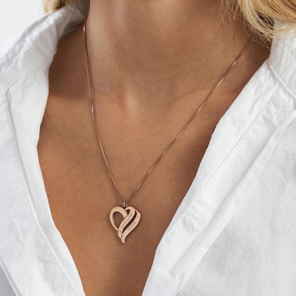 Halskjede med to hjerter og diamanter i rosegullbelegg - 2