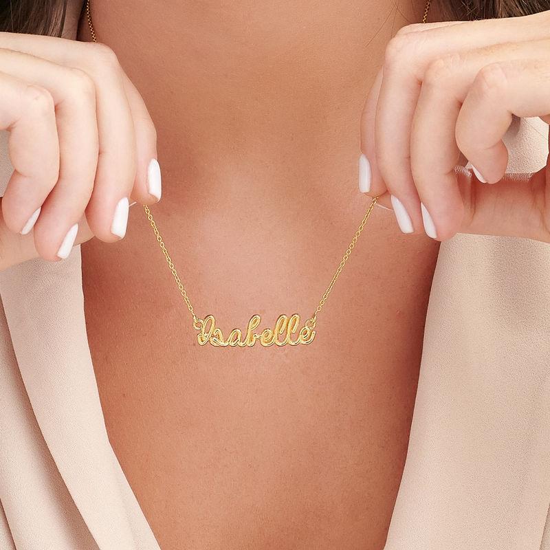 Gullbelagt smykke med håndskrevet navn - 2