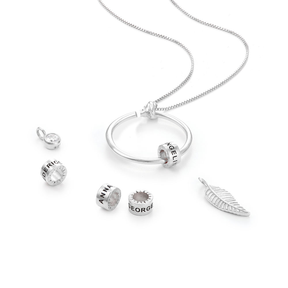Familiesmykke med navneanheng og blad i sølv med diamant - 2