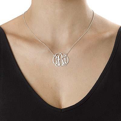 Smykke med bokstav i monogram stil i sølv - 1