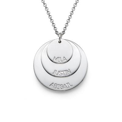 Mammasmykke i sølv med barnenavn