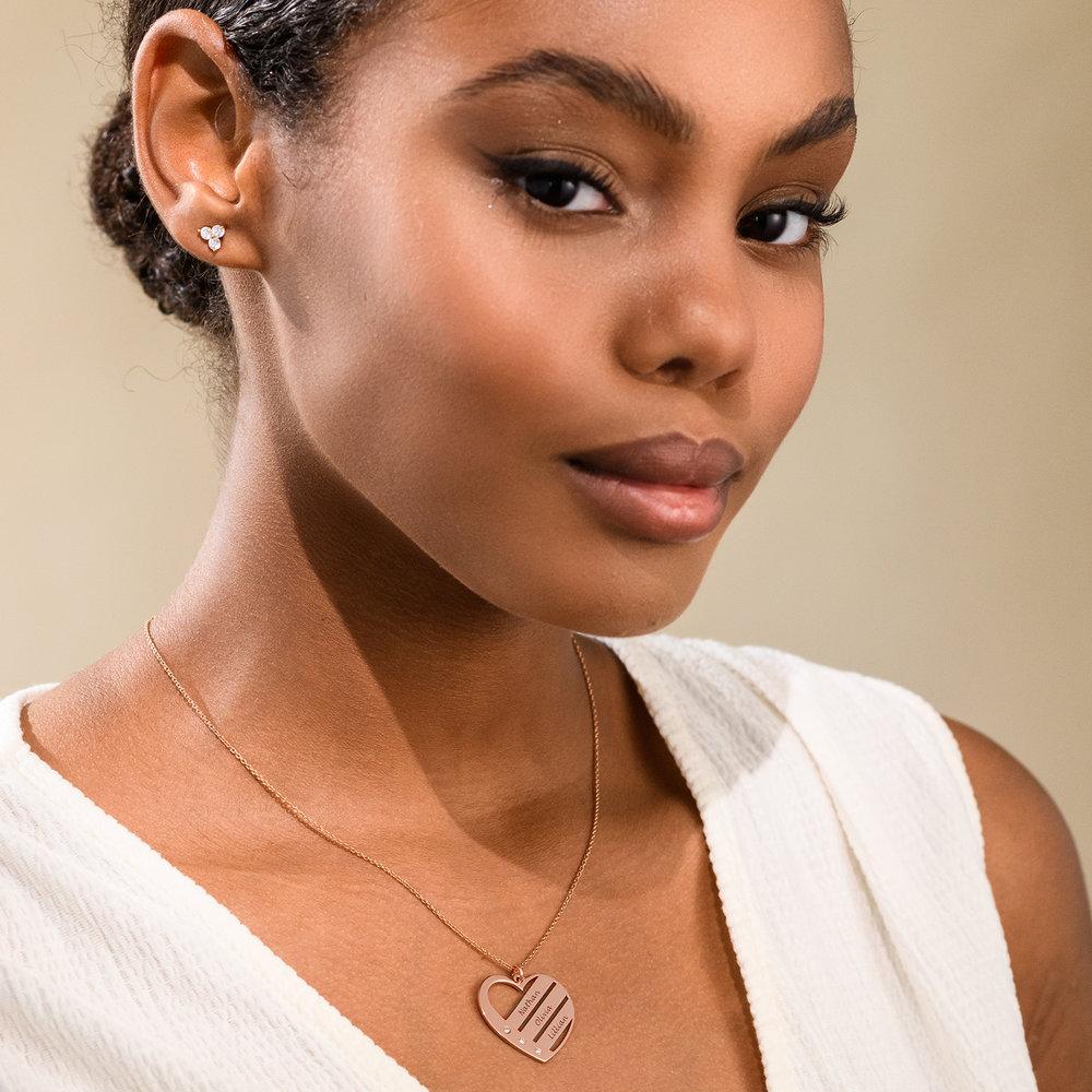 Diamant hjertesmykke med inngraverte navn i 18k rosegullbelegg - 2