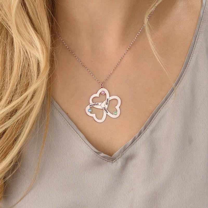 Personlig Trippel halskjede med hjerte i rosegullbelegg - 3