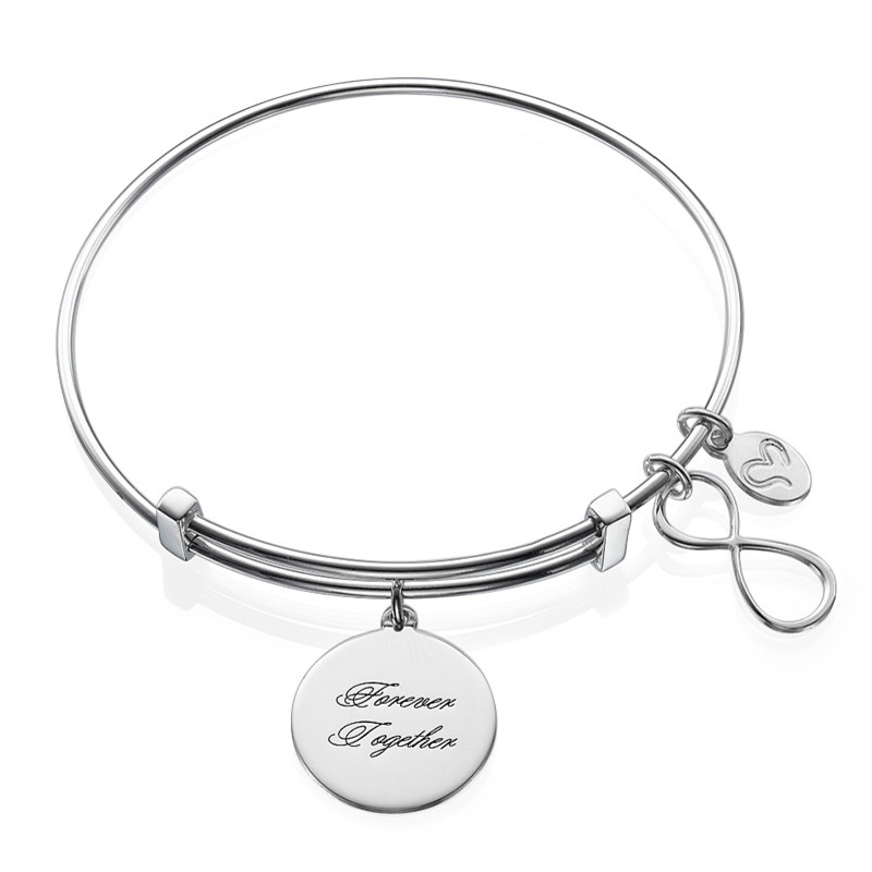 Infinity-armbånd med charms