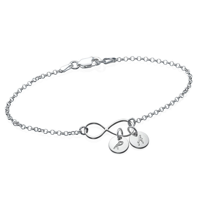Infinity-armbånd / ankelbånd med bokstav i sølv