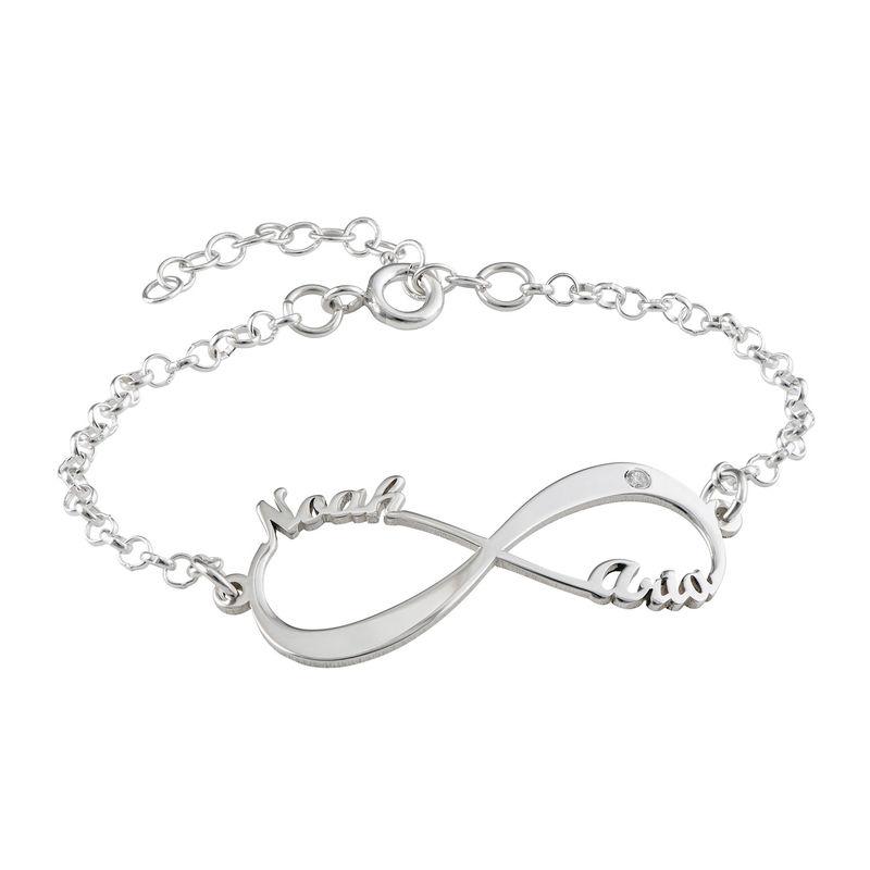 Personlig infinity armbånd med navn i sterlingsølv med diamant