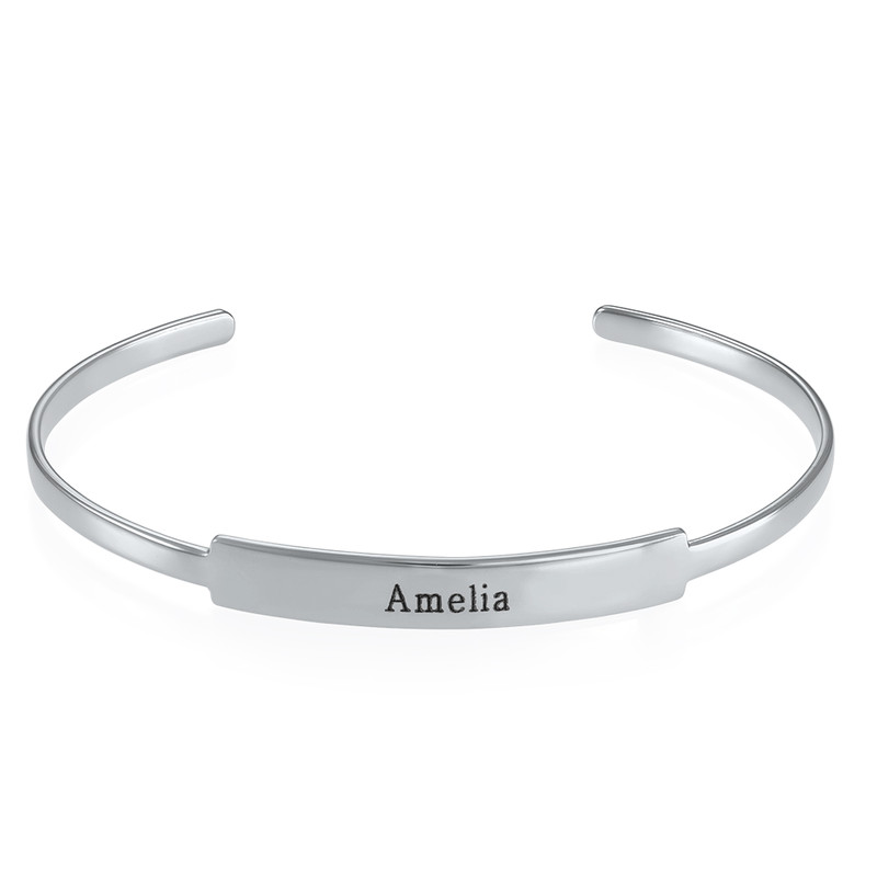 Åpent armbånd med navn i sølv