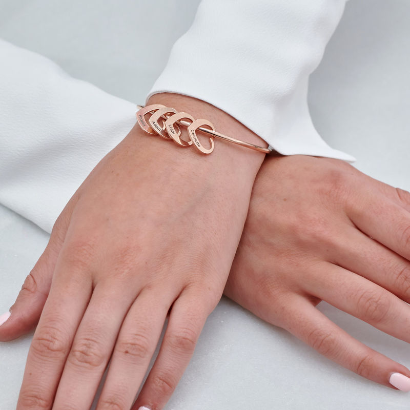 Bangle-armbånd med hjerteformede charms i 18k rosegullbelegg - 4