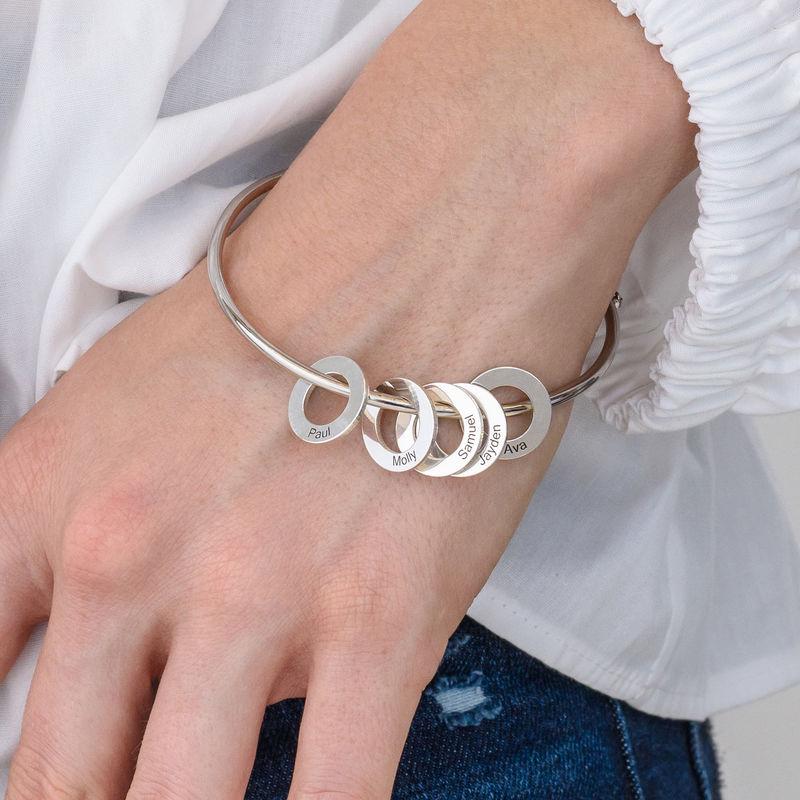 Bangle-armbånd med runde anheng i sølv - 3
