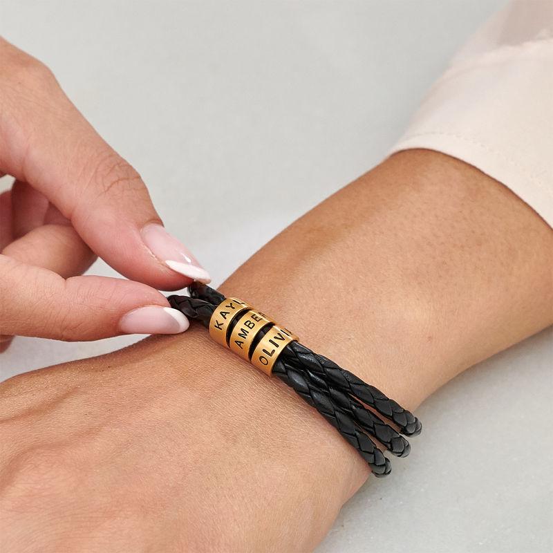 Armbånd til henne i flettet lær med små tilpassede charms i gullforgylt - 3