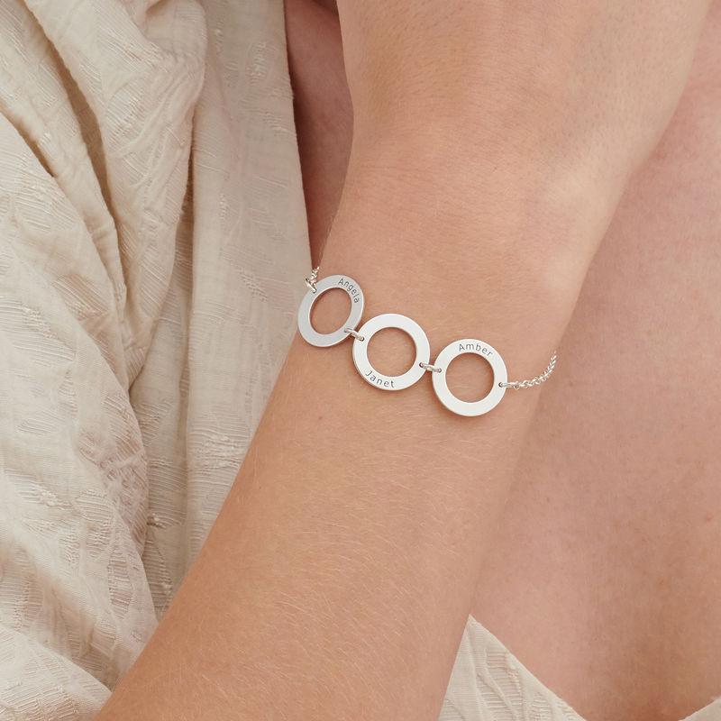Graveret armbånd med 3 sirkel anheng i sølv - 2