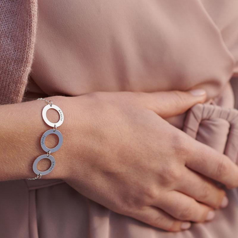 Graveret armbånd med 3 sirkel anheng i sølv - 3