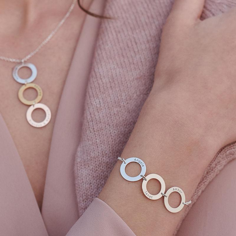 Graveret armbånd med 3 sirkel anheng i sølv - 4