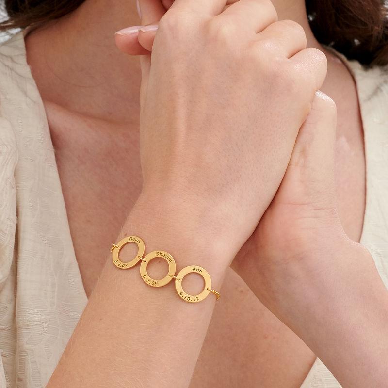Graveret armbånd med 3 sirkel anheng i gullforgylt - 2