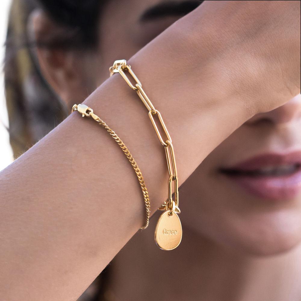 Lenkearmbånd med store og små graverbare charms i 18k gullbelegg - 3