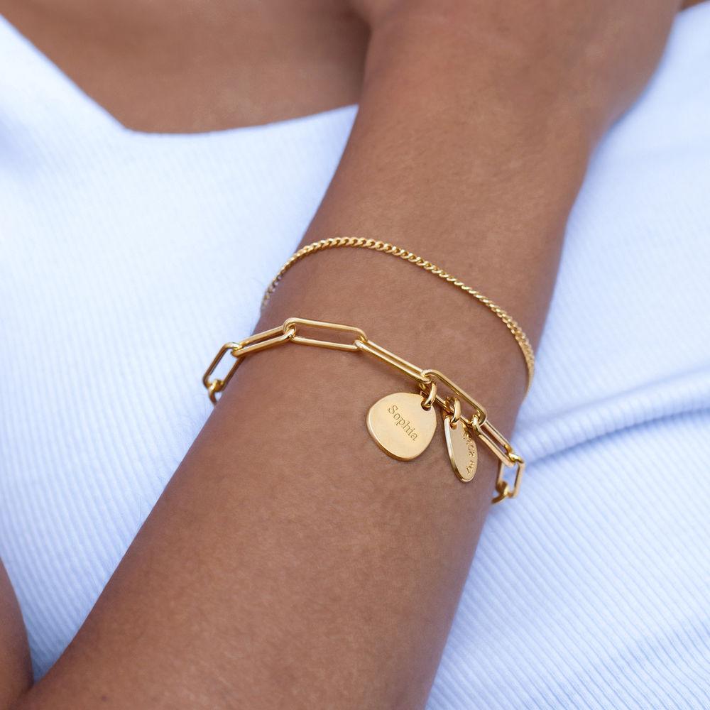 Lenkearmbånd med store og små graverbare charms i gull vermeil - 3