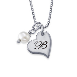 Hjertesmykke med bokstav og perle i sølv produktbilde